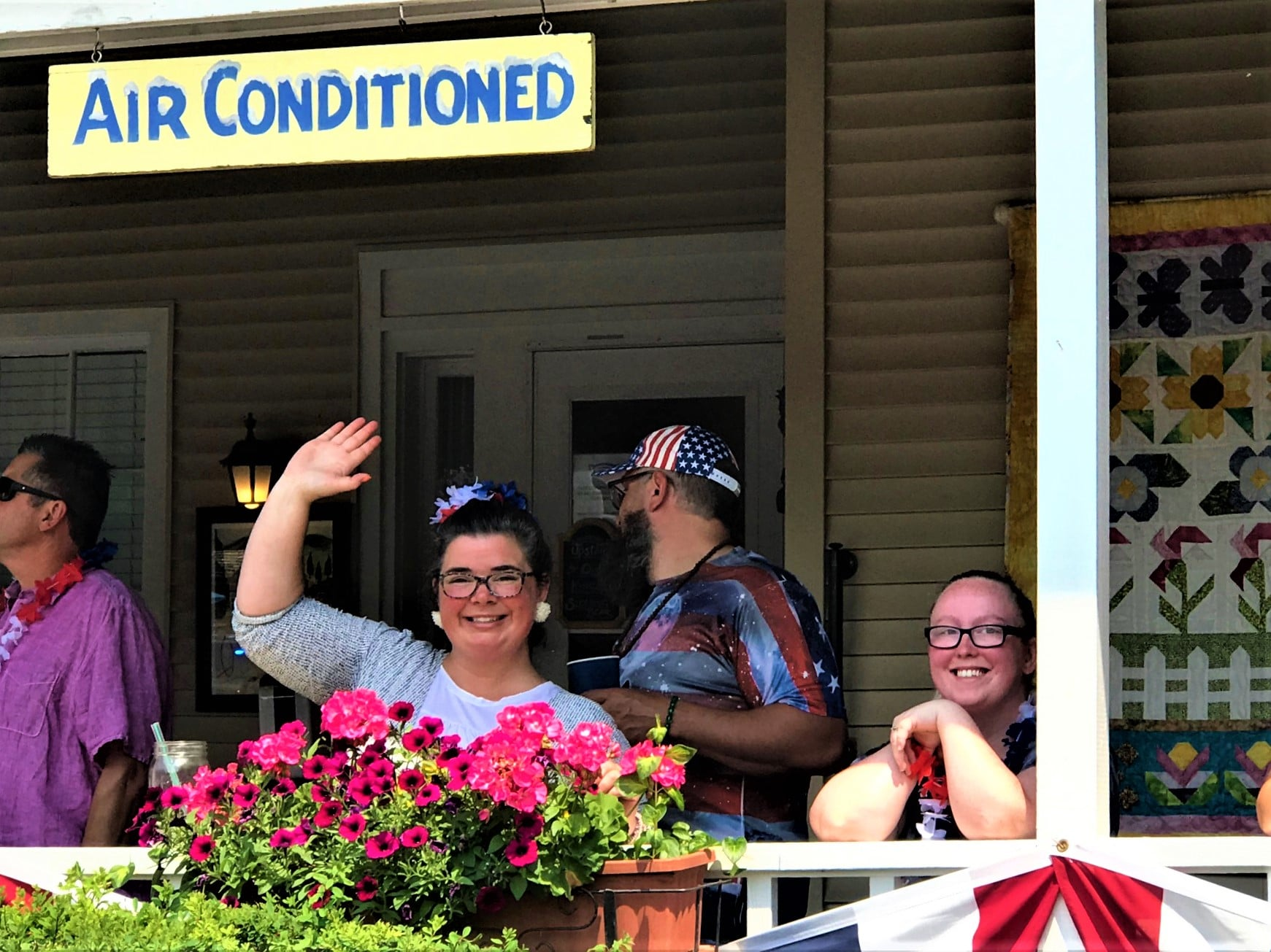 GABB 4th of July 2021. Innkeeper. Housekeeper. Watching the Parade (1)